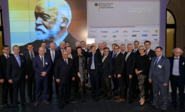 Gottlieb Daimler inducted into Logistics Hall of Fame at ceremony in Federal Transport Ministry